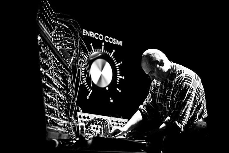 <p>Enrico Cosimi</p>