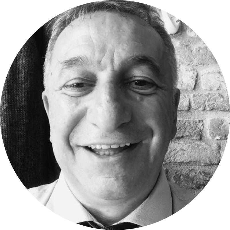 <p>1.Gianni Ferrarese</p>