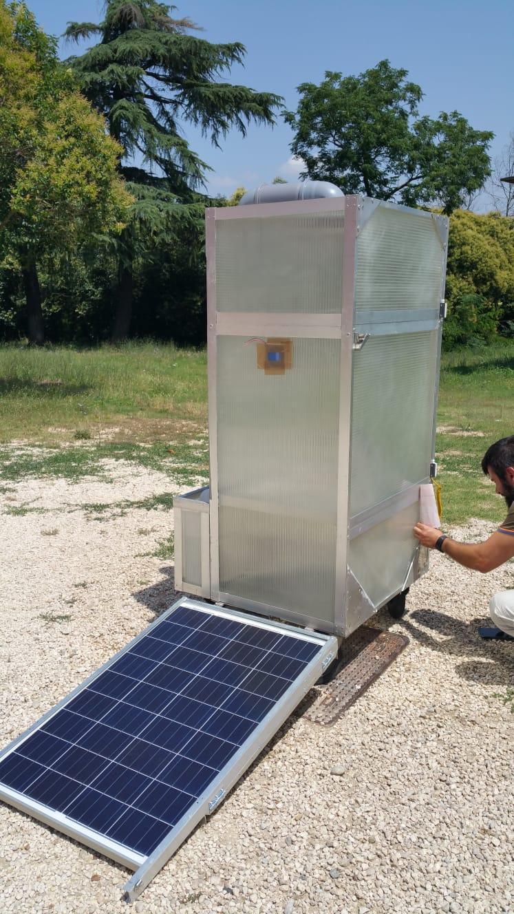Essiccatore per la pasta ad energia solare con tecnologia IoT