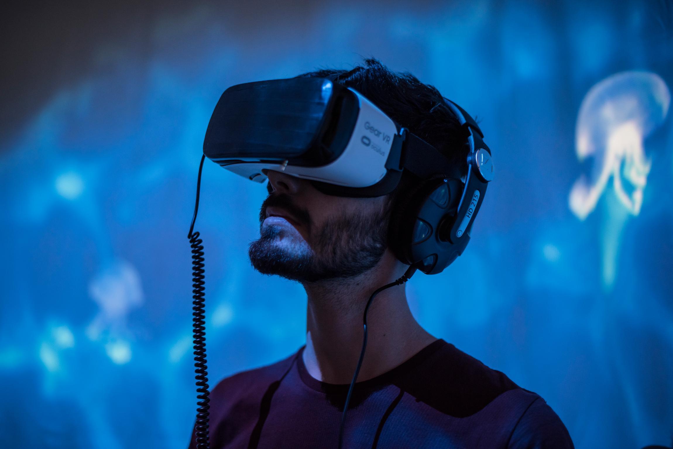 Apnea. Opera d'arte interattiva immersiva sui migranti e il mare